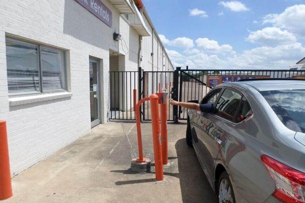 Public Storage - Houston - 16303 Loch Katrine Lane 16303 Loch Katrine Lane Houston, TX - Photo 4