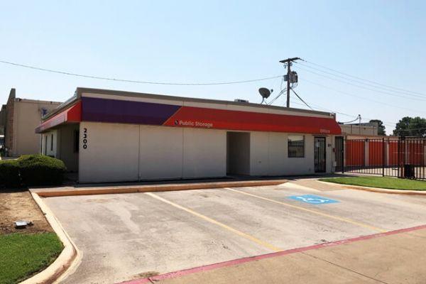Public Storage - Pantego - 2300 West Park Row 2300 West Park Row Pantego, TX - Photo 0