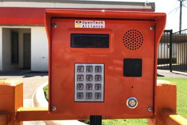 Public Storage - Pantego - 2300 West Park Row 2300 West Park Row Pantego, TX - Photo 4