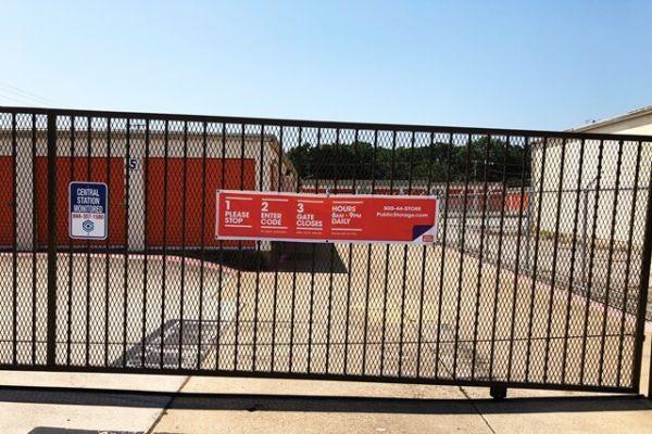 Public Storage - Pantego - 2300 West Park Row 2300 West Park Row Pantego, TX - Photo 3