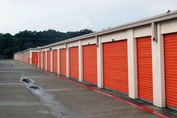 Public Storage - Pantego - 2300 West Park Row 2300 West Park Row Pantego, TX - Photo 1
