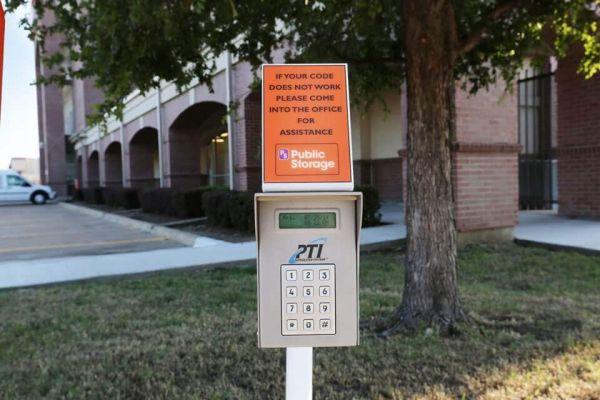 Public Storage - Plano - 2200 Avenue K 2200 Avenue K Plano, TX - Photo 4