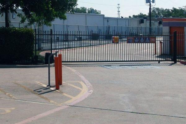 Public Storage - Arlington - 2531 South Cooper Street 2531 South Cooper Street Arlington, TX - Photo 3