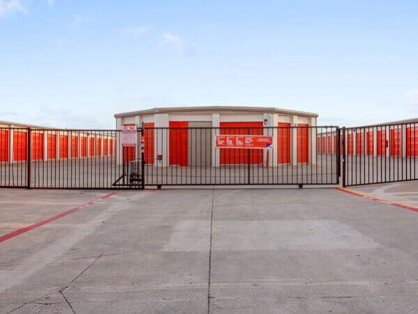 Public Storage - Plano - 3500 E 14th Street 3500 E 14th Street Plano, TX - Photo 3