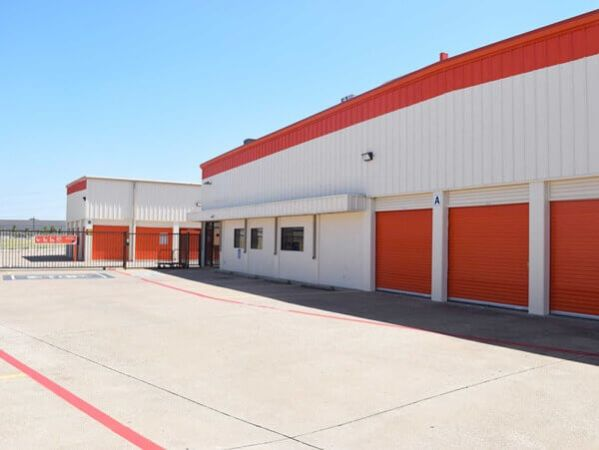 Public Storage - Dallas - 11085 Walnut Hill Lane 11085 Walnut Hill Lane Dallas, TX - Photo 0