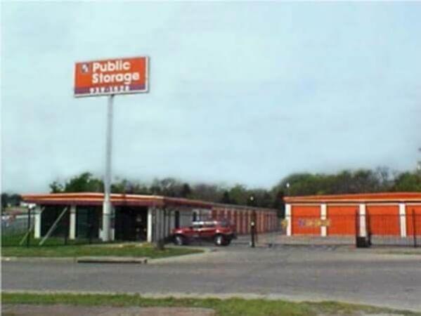 Public Storage - Dallas - 1605 Vilbig Road 1605 Vilbig Road Dallas, TX - Photo 0