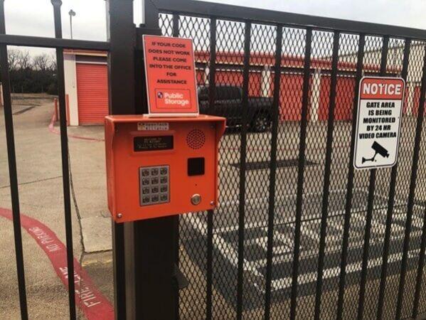 Public Storage - Dallas - 1605 Vilbig Road 1605 Vilbig Road Dallas, TX - Photo 4