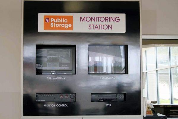 Public Storage - Irving - 1212 E Airport Freeway 1212 E Airport Freeway Irving, TX - Photo 3