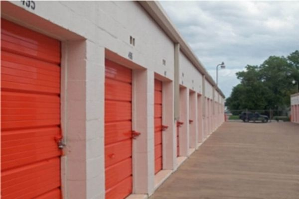 Public Storage - Irving - 1212 E Airport Freeway 1212 E Airport Freeway Irving, TX - Photo 1