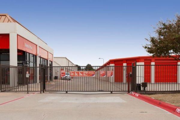 Public Storage - Carrollton - 2550 East Trinity Mills Rd 2550 East Trinity Mills Rd Carrollton, TX - Photo 3