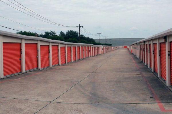 Public Storage - Grand Prairie - 2909 S State Highway 360 2909 S State Highway 360 Grand Prairie, TX - Photo 1