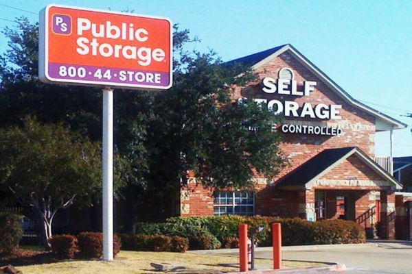 Public Storage - Grand Prairie - 2909 S State Highway 360 2909 S State Highway 360 Grand Prairie, TX - Photo 0