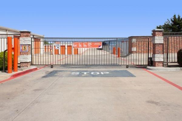 Public Storage - Duncanville - 1212 N Duncanville Rd 1212 N Duncanville Rd Duncanville, TX - Photo 3