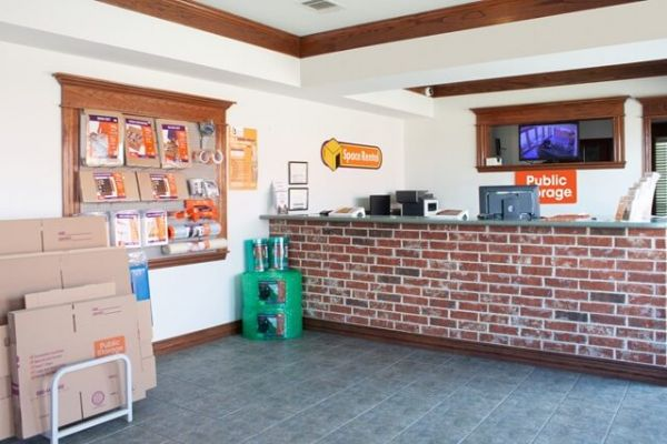Public Storage - Duncanville - 1212 N Duncanville Rd 1212 N Duncanville Rd Duncanville, TX - Photo 2