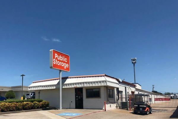 Public Storage - Duncanville - 732 South Cedar Ridge Drive 732 South Cedar Ridge Drive Duncanville, TX - Photo 0