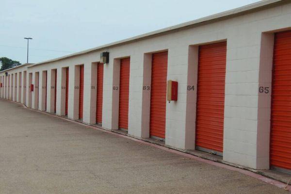 Public Storage - Duncanville - 732 South Cedar Ridge Drive 732 South Cedar Ridge Drive Duncanville, TX - Photo 1