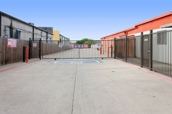 Public Storage - Dallas - 10540 Walnut Street 10540 Walnut Street Dallas, TX - Photo 3