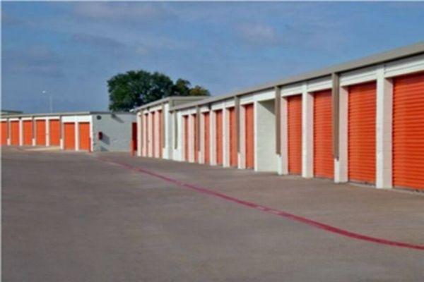 Public Storage - Lewisville - 601 North Stemmons Freeway 601 North Stemmons Freeway Lewisville, TX - Photo 1