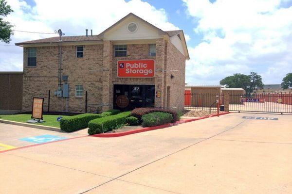 Public Storage - Round Rock - 1517 Round Rock Ave 1517 Round Rock Ave Round Rock, TX - Photo 0