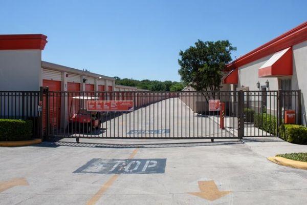 Public Storage - San Antonio - 16639 San Pedro Ave 16639 San Pedro Ave San Antonio, TX - Photo 3