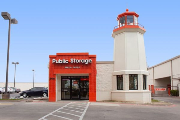 Public Storage - Dallas - 2420 N Haskell Ave