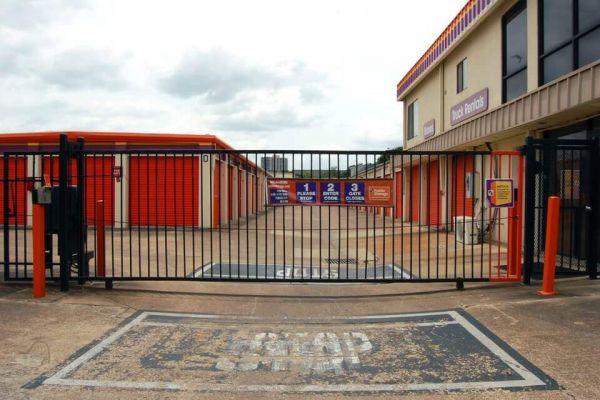 Public Storage - Houston - 3703 Westheimer Blvd 3703 Westheimer Blvd Houston, TX - Photo 3