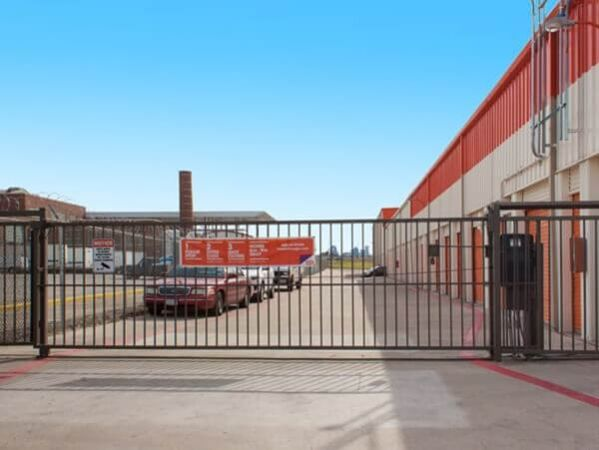 Public Storage - Dallas - 3550 West Mockingbird Lane 3550 West Mockingbird Lane Dallas, TX - Photo 4