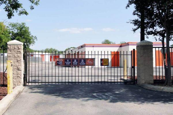 Public Storage - San Antonio - 10652 N Interstate Highway 35 10652 N Interstate Highway 35 San Antonio, TX - Photo 3