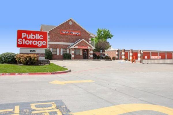 Public Storage - Lancaster - 1525 W Pleasant Run Road 1525 W Pleasant Run Road Lancaster, TX - Photo 0