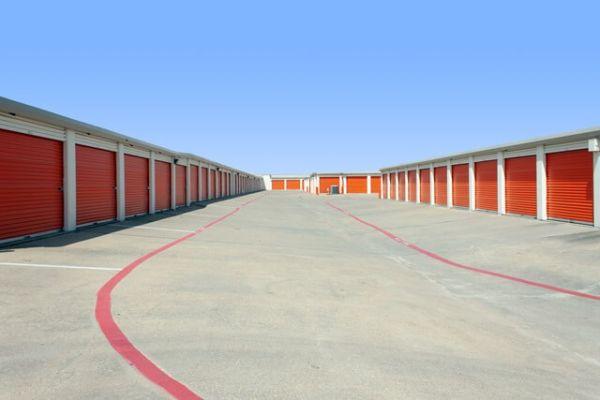 Public Storage - Lancaster - 1525 W Pleasant Run Road 1525 W Pleasant Run Road Lancaster, TX - Photo 1