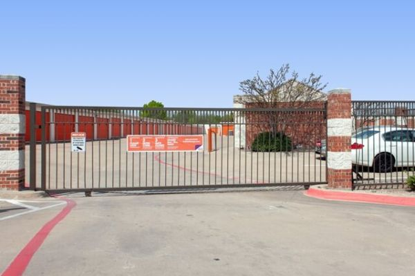 Public Storage - Lancaster - 1525 W Pleasant Run Road 1525 W Pleasant Run Road Lancaster, TX - Photo 3