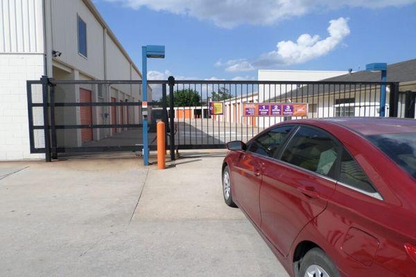 Public Storage - Jersey Village - 18106 Northwest Freeway 18106 Northwest Freeway Jersey Village, TX - Photo 4