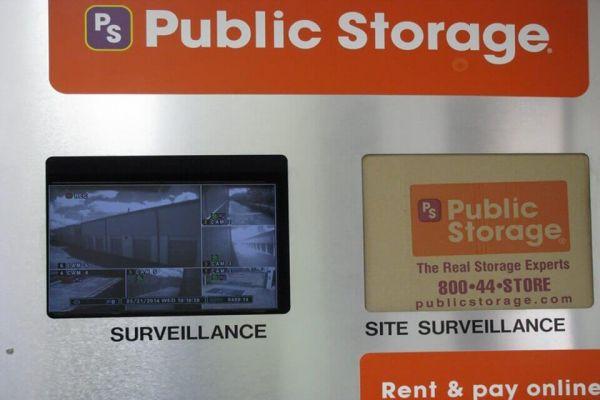 Public Storage - Houston - 4121 Greenbriar St 4121 Greenbriar St Houston, TX - Photo 3