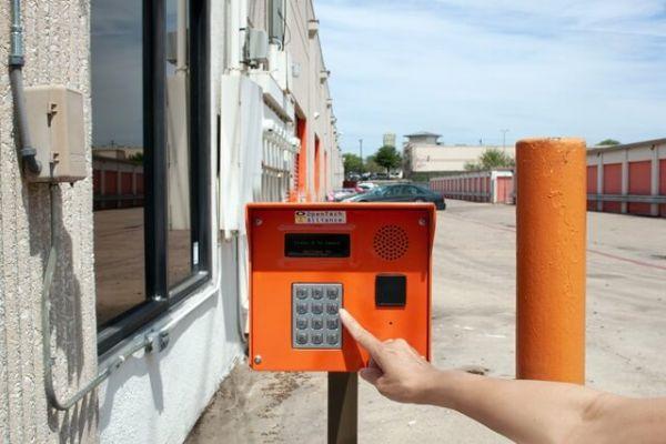 Public Storage - Irving - 1210 N Belt Line Road 1210 N Belt Line Road Irving, TX - Photo 4