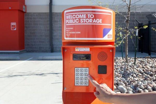 Public Storage - Fort Worth - 10555 North Fwy 10555 North Fwy Fort Worth, TX - Photo 4