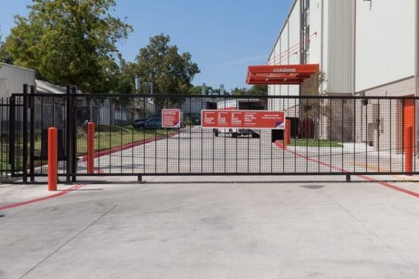 Public Storage - Austin - 1800 S Lamar Blvd 1800 S Lamar Blvd Austin, TX - Photo 3