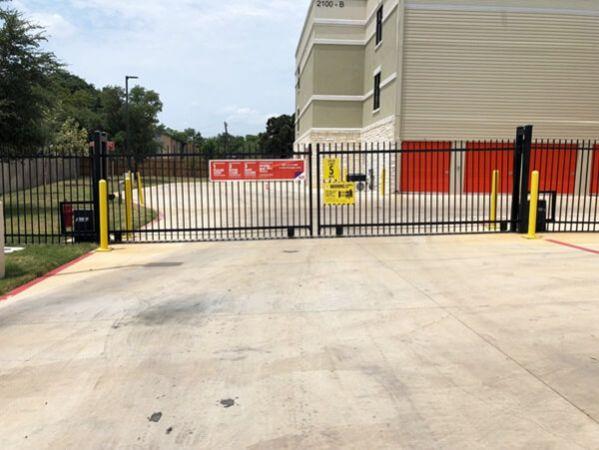 Public Storage - Georgetown - 2100 S Interstate 35 2100 S Interstate 35 Georgetown, TX - Photo 3