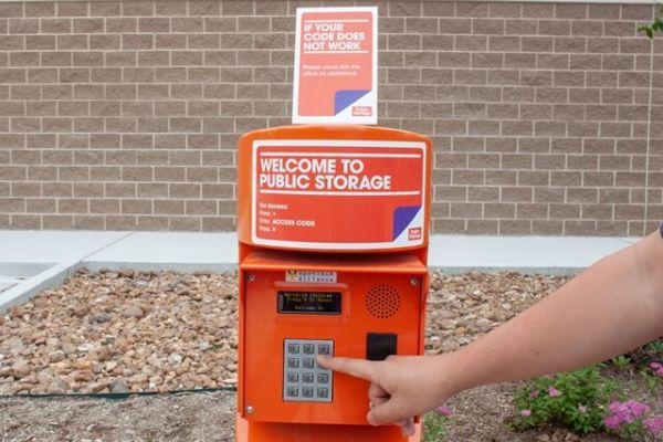 Public Storage - Houston - 5323 Milwee Street 5323 Milwee Street Houston, TX - Photo 4