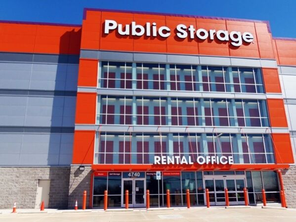 Public Storage - Dallas - 4740 Harry Hines Blvd
