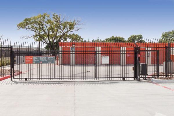 Public Storage - Houston - 10200 S Main St 10200 S Main St Houston, TX - Photo 3