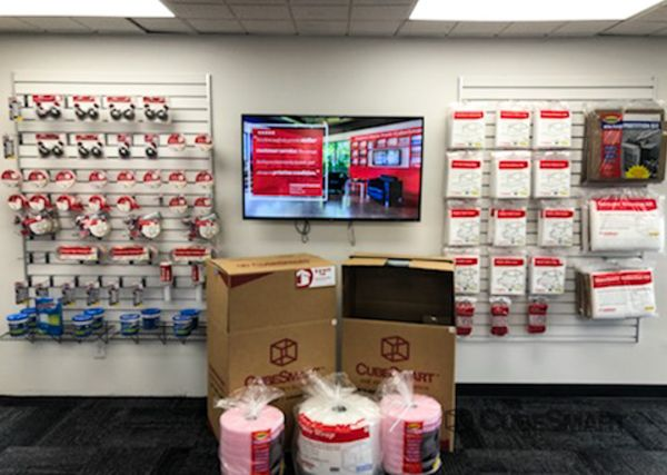 CubeSmart Self Storage - Orlando - 7400 Colonial Dr. 7400 West Colonial Drive Orlando, FL - Photo 4