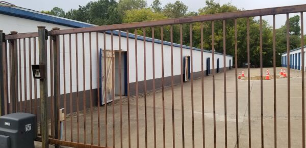 Shipley Storage 504 North Glenwood Boulevard Tyler, TX - Photo 1