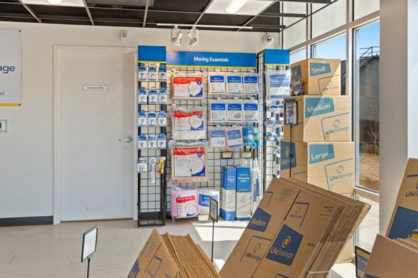 Life Storage - Hackensack - 320 South River Street 320 South River Street Hackensack, NJ - Photo 6