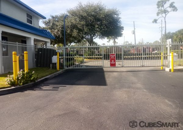 CubeSmart Self Storage - Winter Park - 965 S. Semoran Blvd. 965 South Semoran Boulevard Winter Park, FL - Photo 6