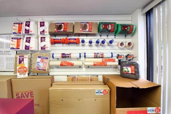 Public Storage - Hyattsville - 2308 Chillum Road 2308 Chillum Road Hyattsville, MD - Photo 2