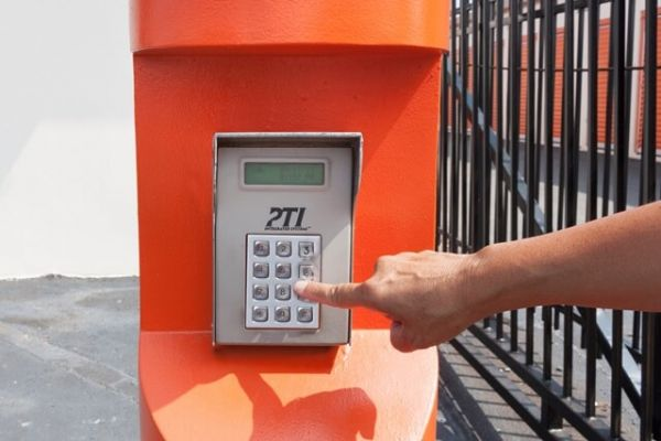 Public Storage - Charlotte - 4329 South Blvd 4329 South Blvd Charlotte, NC - Photo 4