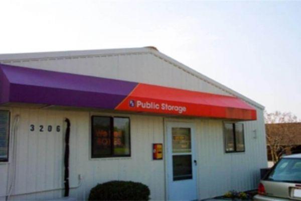 Public Storage - Greensboro - 3206 N OHenry Blvd 3206 N OHenry Blvd Greensboro, NC - Photo 0
