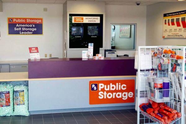 Public Storage - Methuen - 105 Pleasant Valley Street 105 Pleasant Valley Street Methuen, MA - Photo 2