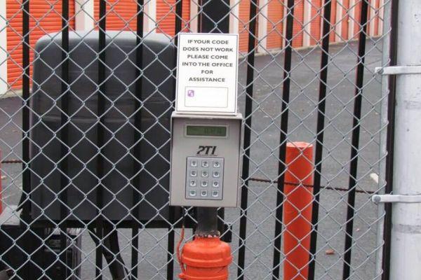 Public Storage - Edgewater Park - 4351 Route 130 South 4351 Route 130 South Edgewater Park, NJ - Photo 4