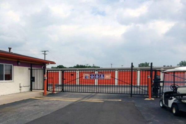 Public Storage - Livonia - 12900 Newburgh Road 12900 Newburgh Road Livonia, MI - Photo 3